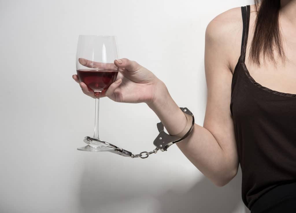 Причины зависимости от алкоголя